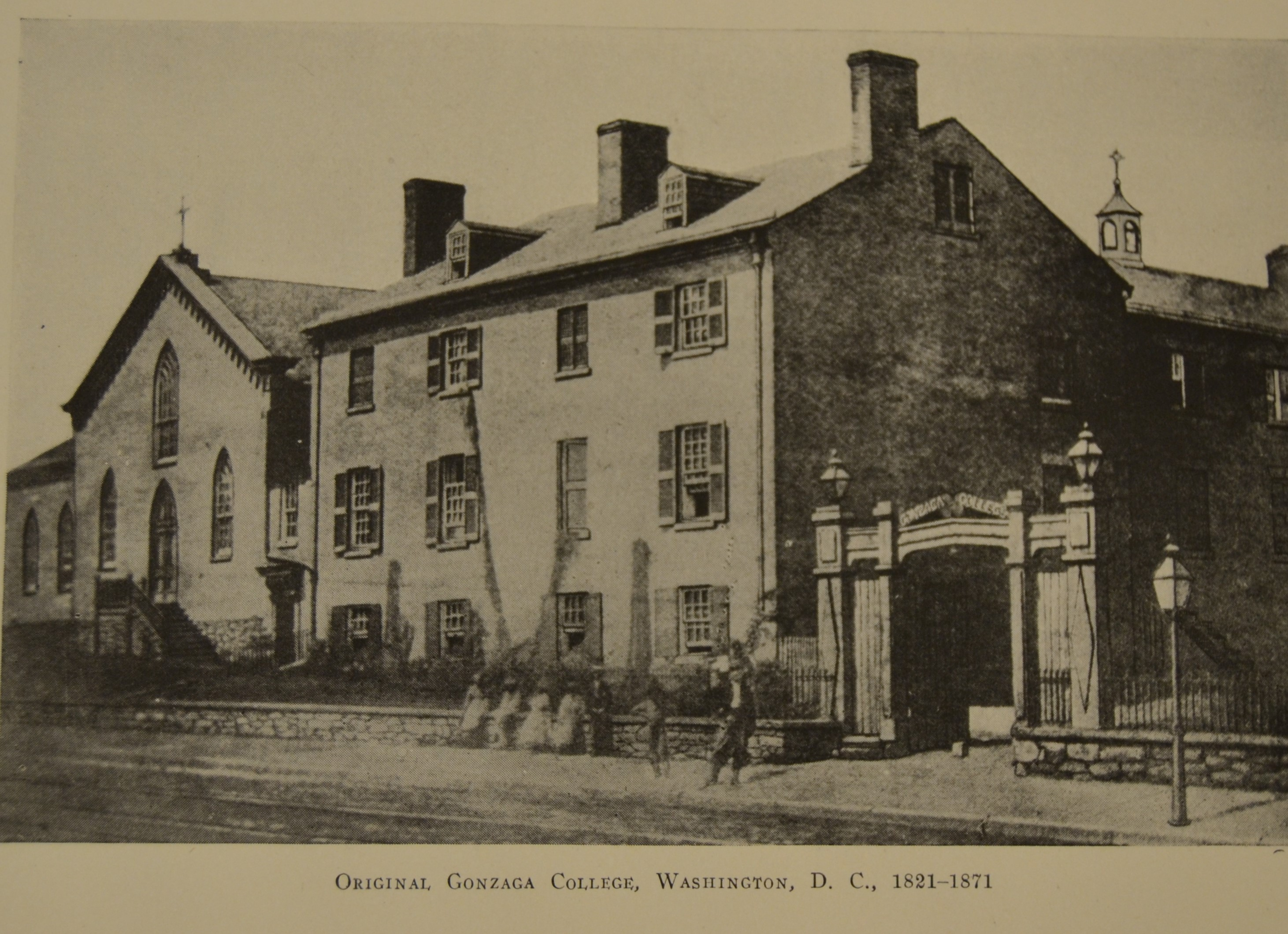 Black and white photo of Gonzaga College High Schools original building in 1821.
